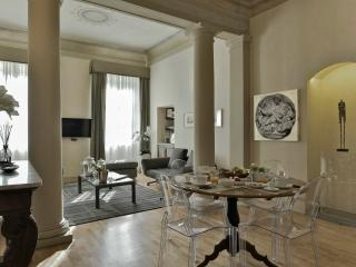 Pitti Luxury Apartment with Infra-red Sauna - Florence vacation rentals
