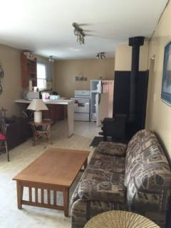 Adam lake cottage 12 km south of perth - Ottawa vacation rentals