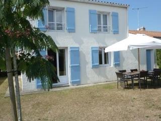 Les HAUTS DU LAC/LA PIRONNIERE - Chateau-d'Olonne vacation rentals