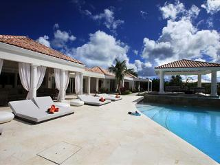Modern and spacious 4 bedroom luxury family villa - Cupecoy vacation rentals