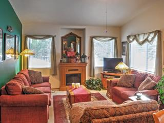 'Gray Wolf Haven' 2BR Leavenworth Condo w/Wifi, Private Patio & Sweeping Golf Course Views - Walk to Quaint Downtown Area! Easy Access to Year-Round Mountain Activities! - Leavenworth vacation rentals