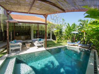 FREE CHEF - Umalas Retreat 6, (3 bed villa) - Seminyak vacation rentals