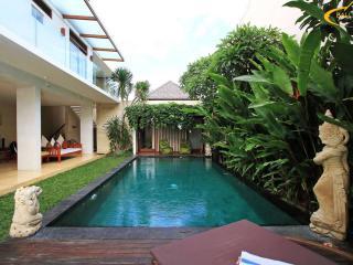 Anisa Lux 3BR Villa,Batu Belig,Seminyak,Near Beach - Seminyak vacation rentals
