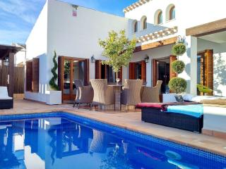 Golf resort villa with pool and Jacuzzi - Banos y Mendigo vacation rentals