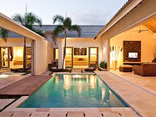 4 Bedroom Comfy Lux Villa in the Heart of Seminyak - Seminyak vacation rentals