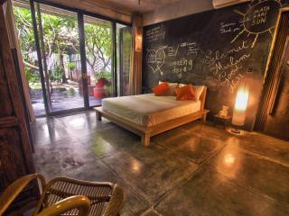 Modern Petitenget villa less than 5mn to the beach - Seminyak vacation rentals