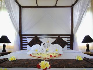 Mawa Deluxe Room Balinese Family - Ubud vacation rentals