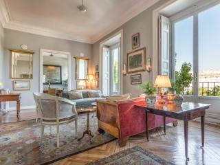 A Royal apartment for 6 opposit the Royal Palace. - Madrid vacation rentals