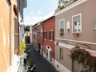 Love-nest, romantic in Trastevere heart, A/C Wi-Fi - Rome vacation rentals