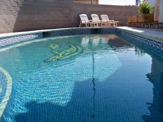 Costabravaforrent Lladó, house up to 8, pool, BBQ - L'Escala vacation rentals