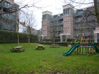 TOUR & TAXIS 5 + GARDEN + 2 BR + FREE PARKING - Saint-Jans-Molenbeek vacation rentals