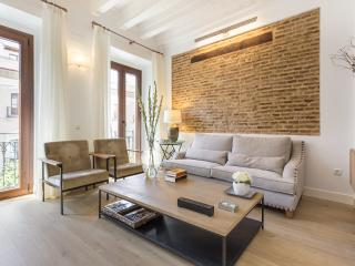 Bright & modern 2 bed apartment in Seville center - Seville vacation rentals