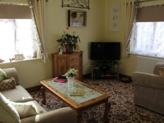 Romantic 1 bedroom Cottage in Bowness & Windermere - Bowness & Windermere vacation rentals