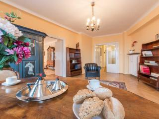 Cozy Condo with Internet Access and A/C - Warsaw vacation rentals