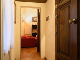 Florence modern loft close Uffizi - Florence vacation rentals