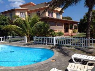 Comfortable Villa with A/C and Housekeeping Included - Calodyne vacation rentals