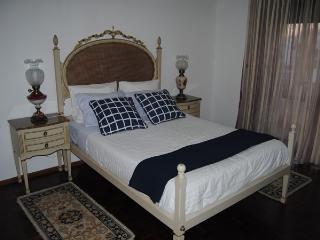 GUEST HOUSE ESPLANADA Quarto Duplo C/W.C.Privativo - Castelo Branco vacation rentals