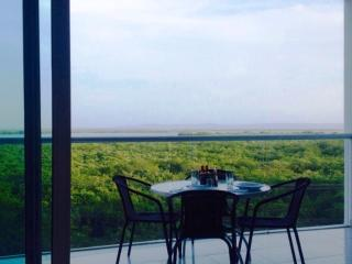 Nice Condo with A/C and Satellite Or Cable TV - Cartagena vacation rentals