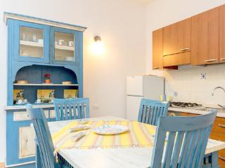 Renda - Apartment (4 adults) - Trapani vacation rentals