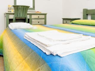 Renda - Apartment (5 adults) - Trapani vacation rentals