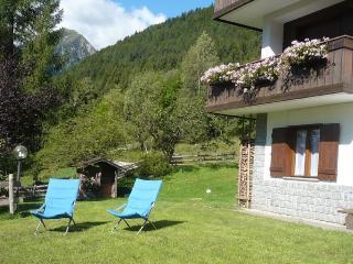 Casa in affitto con giardino privato - Madonna Di Campiglio vacation rentals