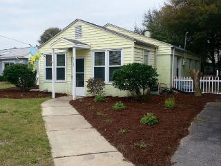 Adorable Beach Cottage On Isle Of Palms - Isle of Palms vacation rentals
