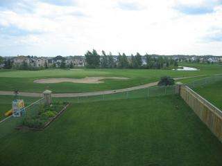 Fantastic Golf Course View By West Edmonton Mall - Edmonton vacation rentals