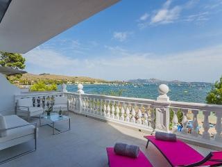 Dream seafront apartment in the pinewalk - Port de Pollenca vacation rentals