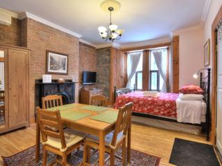 Brick Suite (University Bed & Breakfast) - Montreal vacation rentals