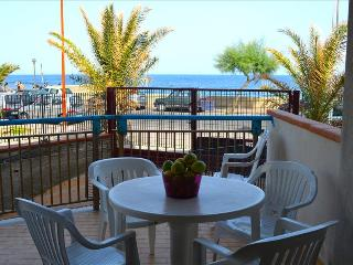 Albe di mare - apartment in front of the beach - Santa Teresa di Riva vacation rentals
