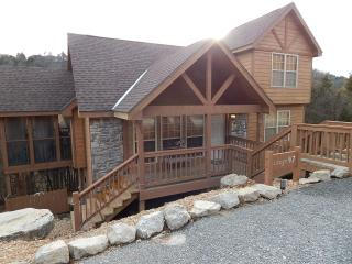 New Pics! Stay at our Rustic Cabin w/ All-New BBQ - Branson West vacation rentals