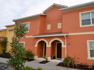 4 bedroom luxury townhouse in Paradise Palms - Orlando vacation rentals