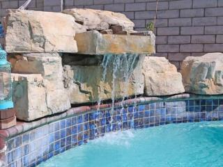ENTIRE Pool house for fun stay 4+2+guest house - Los Angeles vacation rentals