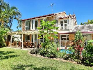 LARGE HOLIDAY HOME ON THE SUNSHINE COAST - Warana vacation rentals