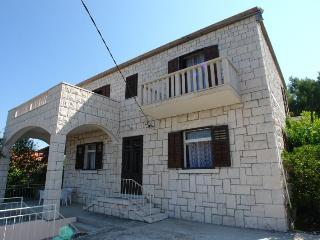 3 bedroom Apartment with Internet Access in Sumartin - Sumartin vacation rentals