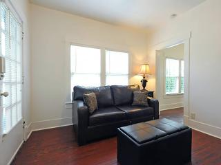 Victorian Area Event Home 14BDs 4BA Great Location - Louisville vacation rentals