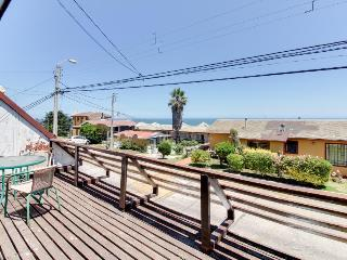 Cozy & inviting bungalow with ocean views & lovely terrace! - Concon vacation rentals