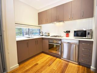 Hemley House - located in the heart of Halls Gap - Halls Gap vacation rentals