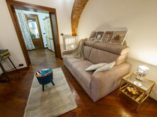 Relax in the neiborough - Florence vacation rentals