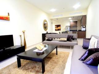 644-Beautiful Furnished 1/BR Apartment In Dubai Ma - Dubai vacation rentals