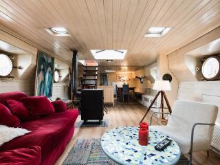 Woontjalk Zuidenwind Houseboat - Amsterdam vacation rentals