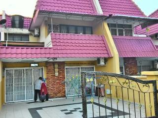 Double Storey House ※ Seremban Town - Seremban vacation rentals