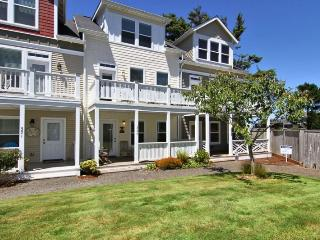 3 bedroom House with Deck in Depoe Bay - Depoe Bay vacation rentals