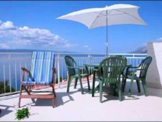 2 bed apt & large top floor terrace, 150m to beach - Brela vacation rentals