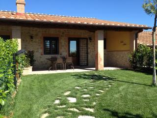 COCCINELLE- Appartamento autonomo in Agriturismo - Montecampano vacation rentals