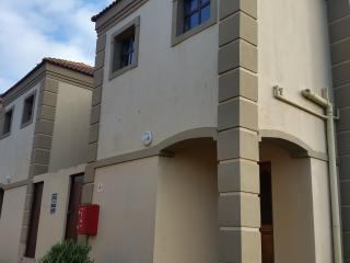 2 bedroom House with Parking in Jeffreys Bay - Jeffreys Bay vacation rentals