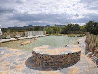 Hameau Domaine Ceyrac , Gites de standing . - Sauve vacation rentals