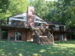 Comfortable House with Deck and A/C - Bumpass vacation rentals