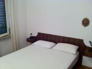 Appartamento vicino allo Spinale - Madonna Di Campiglio vacation rentals