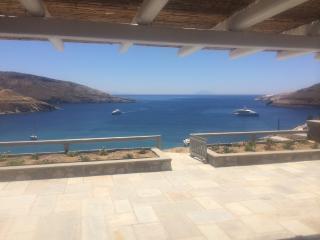 Serifos beachouse breathtaking view (Ganema beach) - Vagia vacation rentals